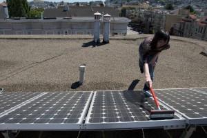 pulire pannello solare.jpg
